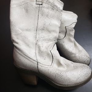 Volatile Leather Distressed boots